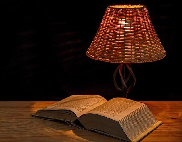 〈大学生の5割が本を読まない〉本(活字)は人生の叡智。
