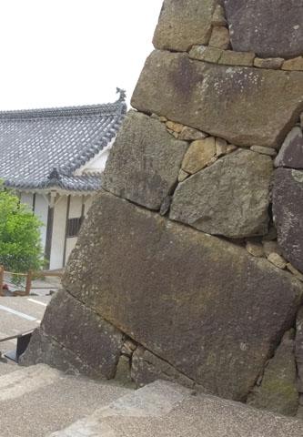 姫路城 石垣 石棺