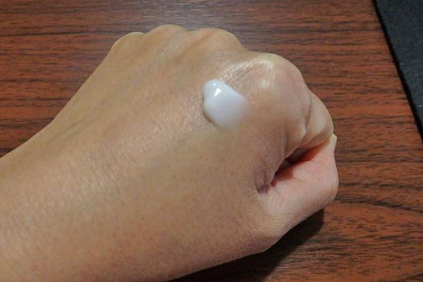 アベンヌ ハンドクリーム 保湿 ベタつかない プチプラ