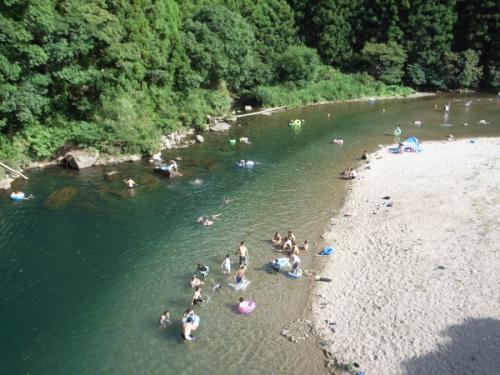 関西の水遊び!穴場はどこ?!川や滝!大人に子供におすすめスポット!
