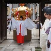 杭全神社と縁の深い全興寺にて御駐輦