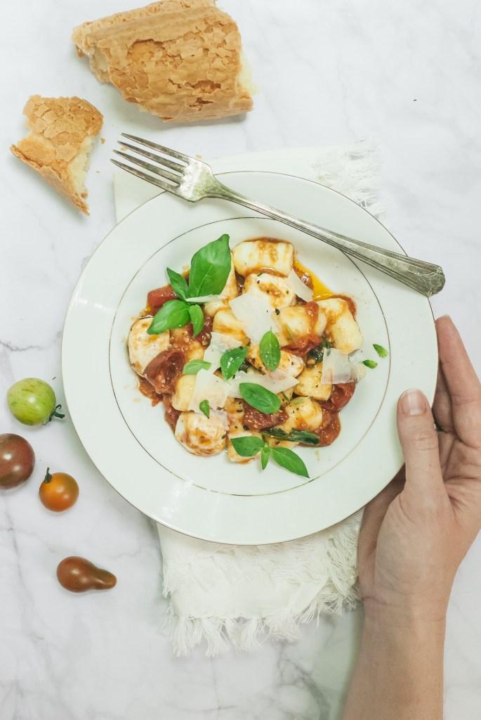 Potato Gnocchi with Fresh Tomato-Garlic Sauce | kumquatblog.com @kumquatblog recipe