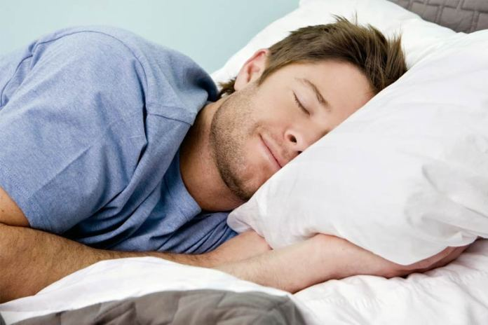 Как быстро разбудить мужчину