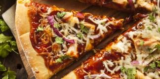 Пицца с куриной начинкой