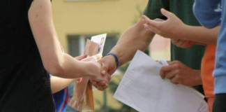 рукопажатие