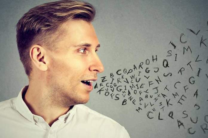 Ученые: заговорить на другом языке проще, если немного выпить