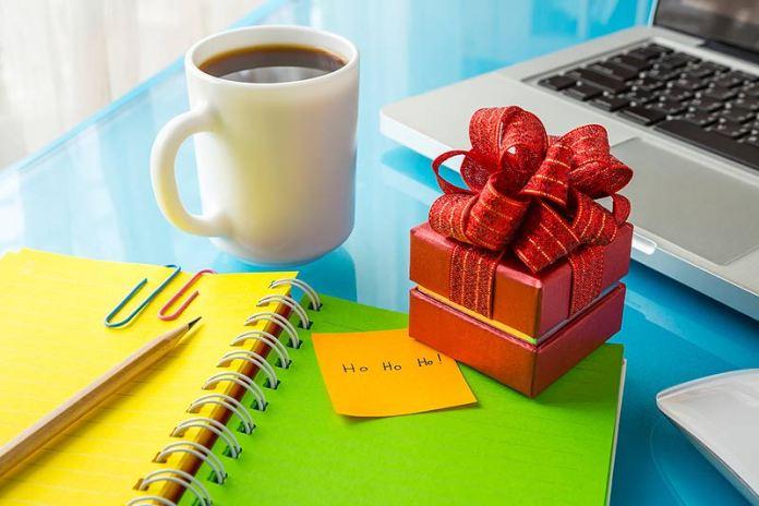 Подарок боссу: что и как дарить начальству