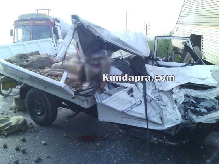 accident Mahendra Boleo and insulator lorry at hemmady (1)