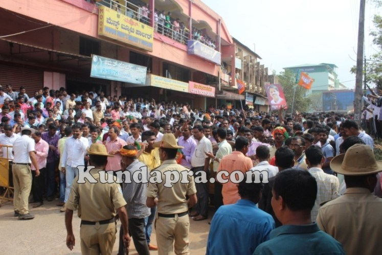 Zilla panchayath Taluk Panchayth Poll - BJP Celebrating in Kundapura (14)