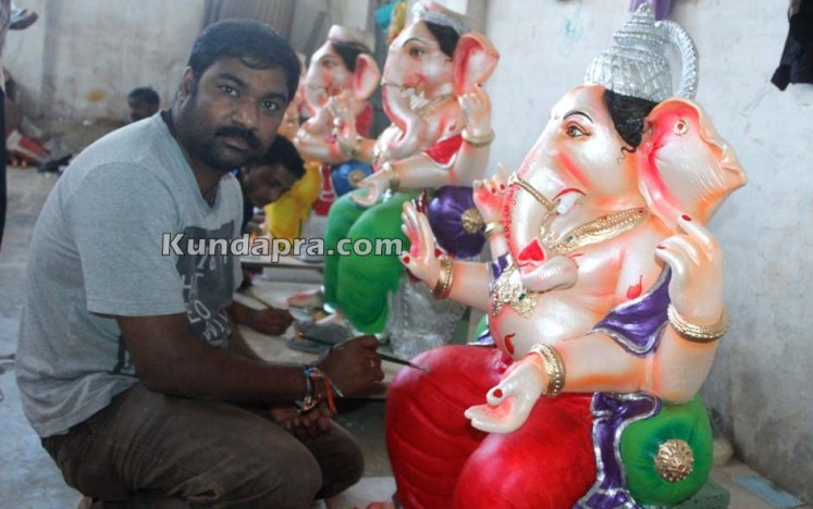 Kundapura ganesh idols makers Vasantha Gudigar made idols has demond in Hydarbad (16)