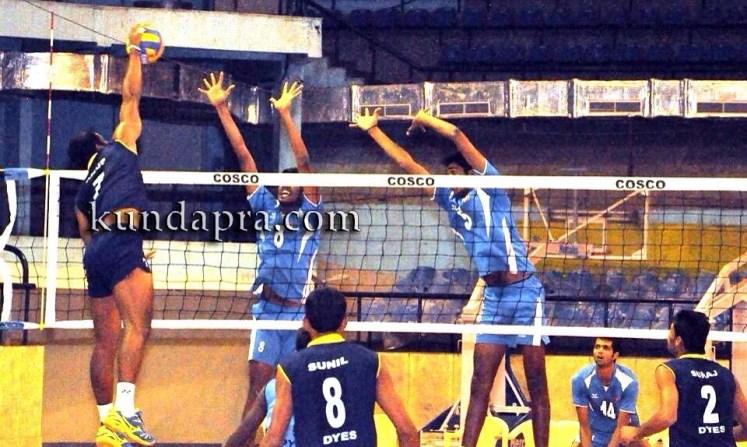 volleyball-player-anup-dcosta-got-state-ekalavya-award-2015-1