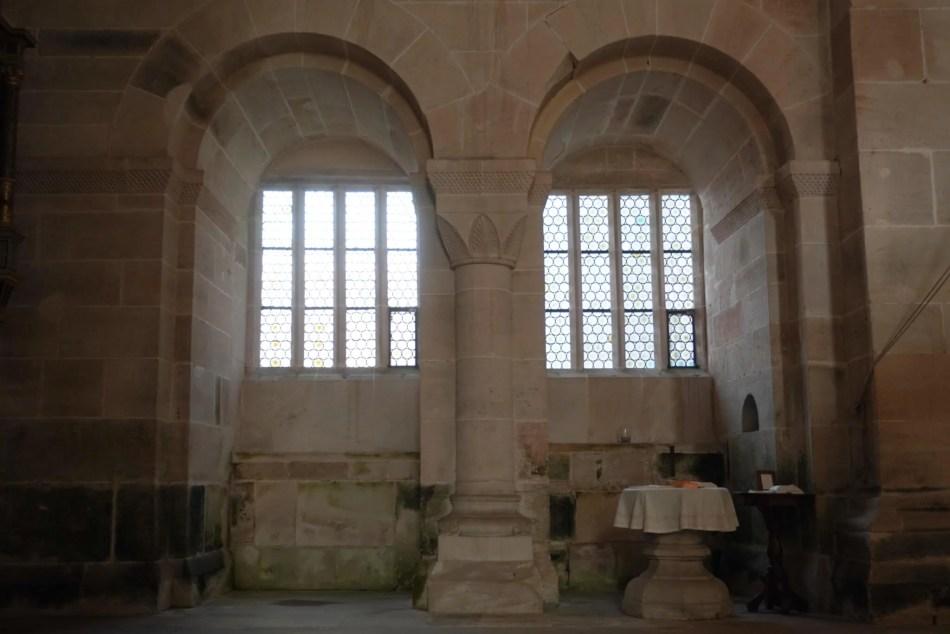 Die Seitenkapellen sind noch aus der romanischen Bauphase erhalten. ©Foto: Maik Hanicz.