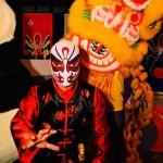 Luchador chino lleva salud abordo de un dragón