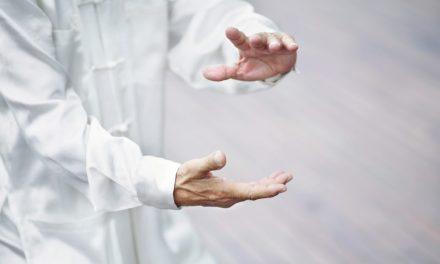 Los efectos de la práctica de Tai-Chi a largo plazo sobre la presión arterial en condiciones normales