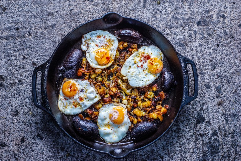Morcilla and fried eggs