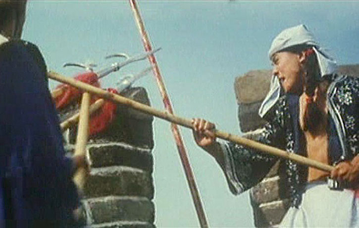 Jet Li fights hordes of soldiers