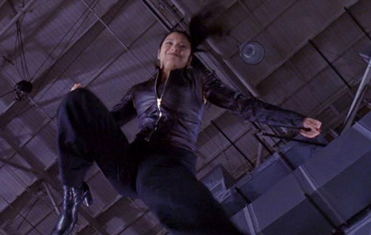Flying knee!