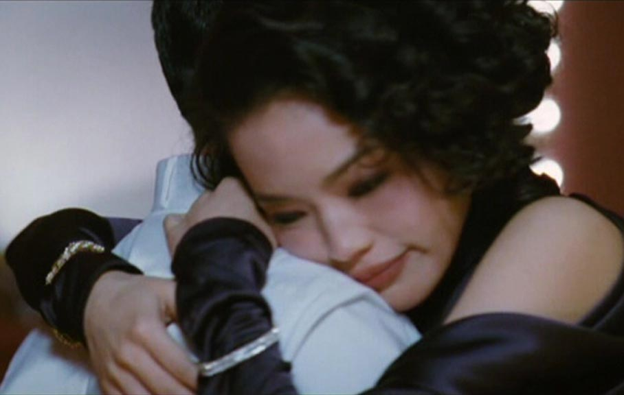 Kiki gets close to Chen Zhen