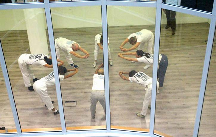 Customary Capoeira stretches