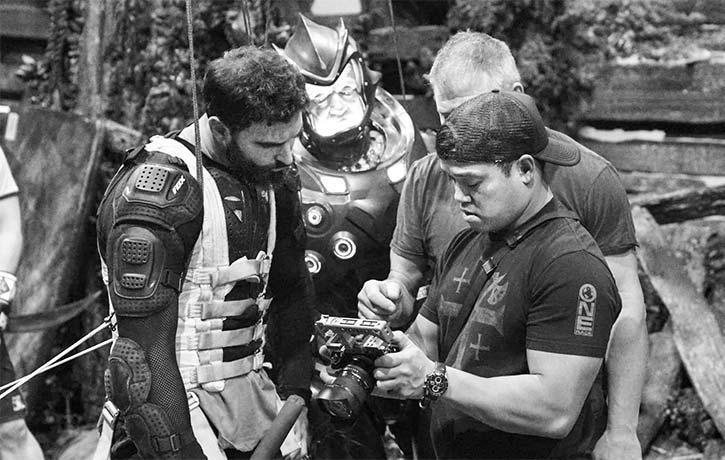 Jon preps for a scene with the film's stunt men
