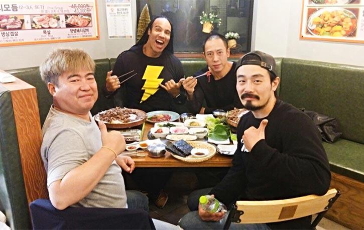 Revenger co-stars grab a bite to eat