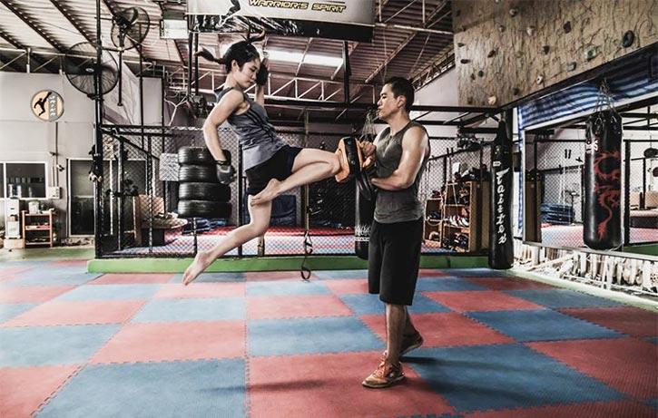 Jeeja strikes knees at the gym