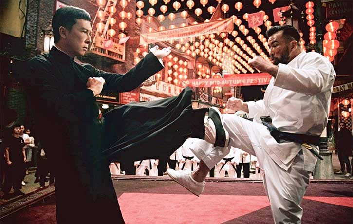 Ip Man holds off Colin's assault