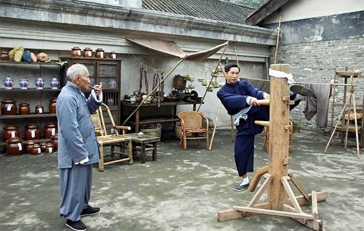 Leung Bik teaches Ip Man an improved style of Wing Chun