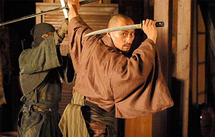 Katsumoto gives these assassins a lesson in swordplay