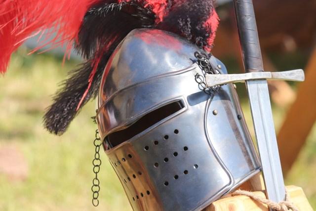 Ritareita liikkui keskiajalla Kuninkaantietä pitkin