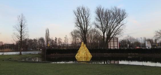 Ein Goldener Berg - Leonard Muster