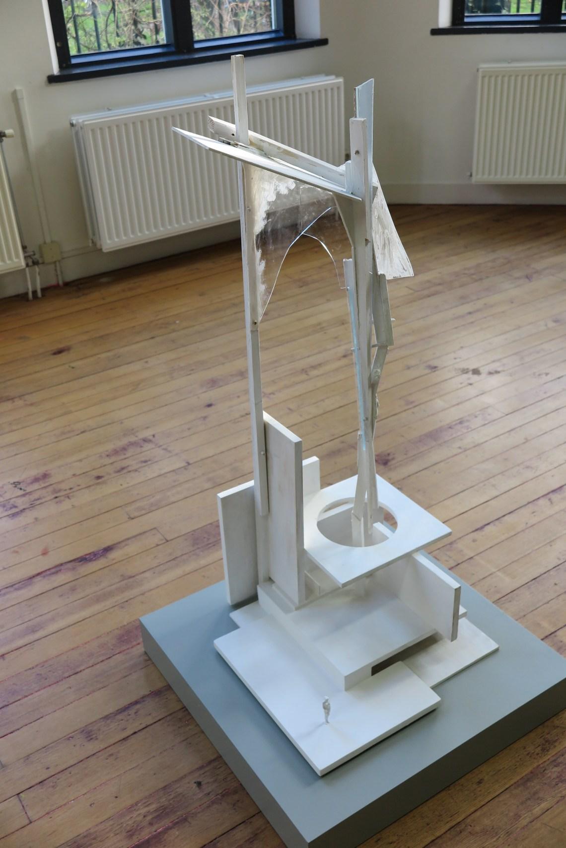 I love modernism, modernism loves me - Andre Kruysen - Object