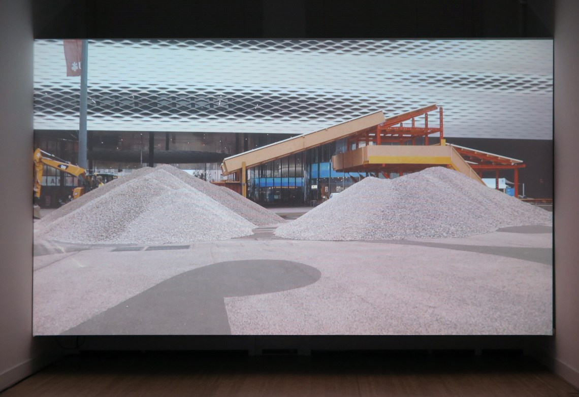lara-almarcegui-gravel_ellen-de-bruijne-projects_4080C