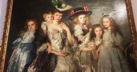 mevr. A.G.M. van Ogtrop- Hanlo (1871 – 1944) met haar vijf kinderen
