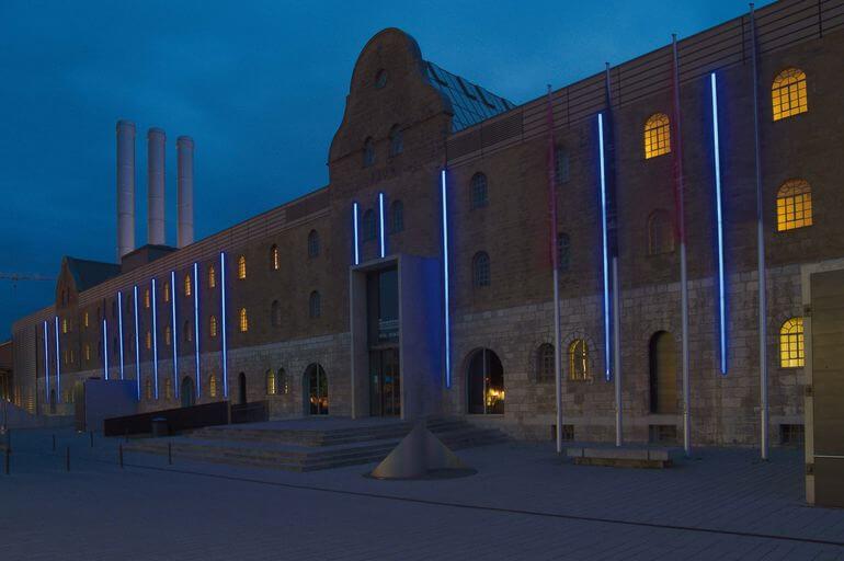 Waltraud Cooper: Installation blueline, Foto: Andreas Bestle, MiK