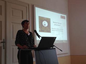 """Prof. Dr. Mieke Roscher (Universität Kassel) """"Machen Tiere nur 'Scherereien'? - Alternative Lesarten von Animal Agency in historischen Quellen"""""""