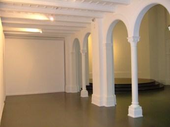 Studio 1 Säulengang links
