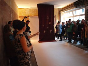 Performance SUPERIMPOSE von Alice Peragine - Installationsansicht © Franziska Harnisch