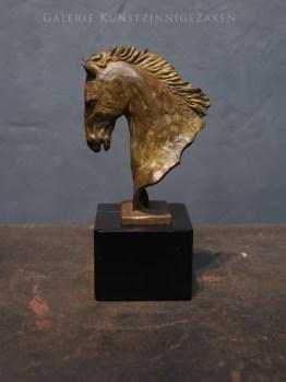 bronzen paardenbeeld fortuna
