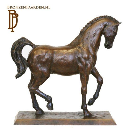 paardenbeeld piaffe dressuur