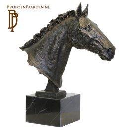 beeld paard volbloed bronzen