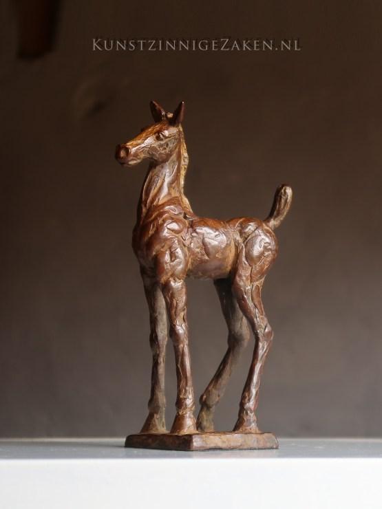 bronzen beeldje veulentje