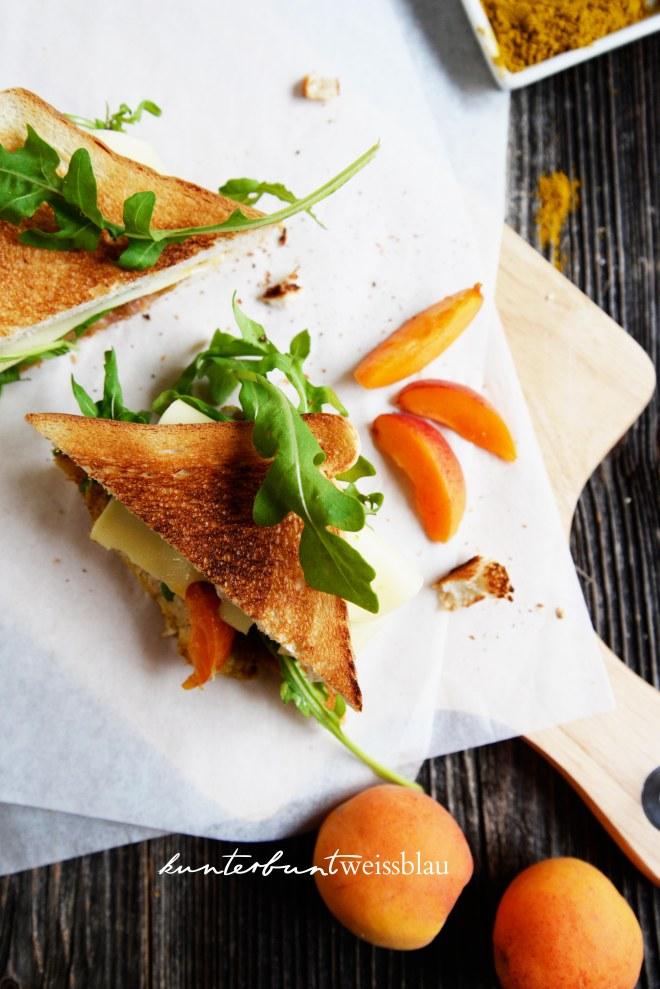 Aprikosen Sandwiches Rucula
