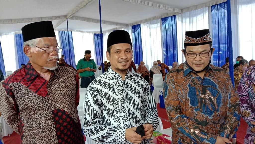 Sadmonodadi, Abduh Tuasikal, Sutrisna Wibawa