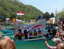 Pertama Kalinya Di Indonesia, bakal Calon Bupati – Wakil Bupati Ini Deklarasi Di Tengah Laut