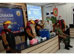 Ngaku Sempat Deg – degkan, Ketua DPRD Minta Masyarakat Mau Divaksin