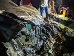 Kecelakaan Maut, Dua Orang Tewas di Lokasi Setelah Tertabrak Avanza