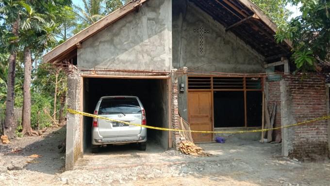 Rumah Supriyadi dipasangi Police line
