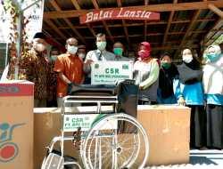 Lansia Husnul Khotimah Dapat Kursi Roda Melalui Pogram CSR BDG