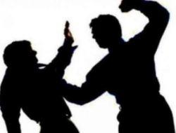 Aksi Salip Menyalip di Jalan Raya Berujung Aniaya, Seorang Pemuda Dipukul Dan Diinjak Perutnya